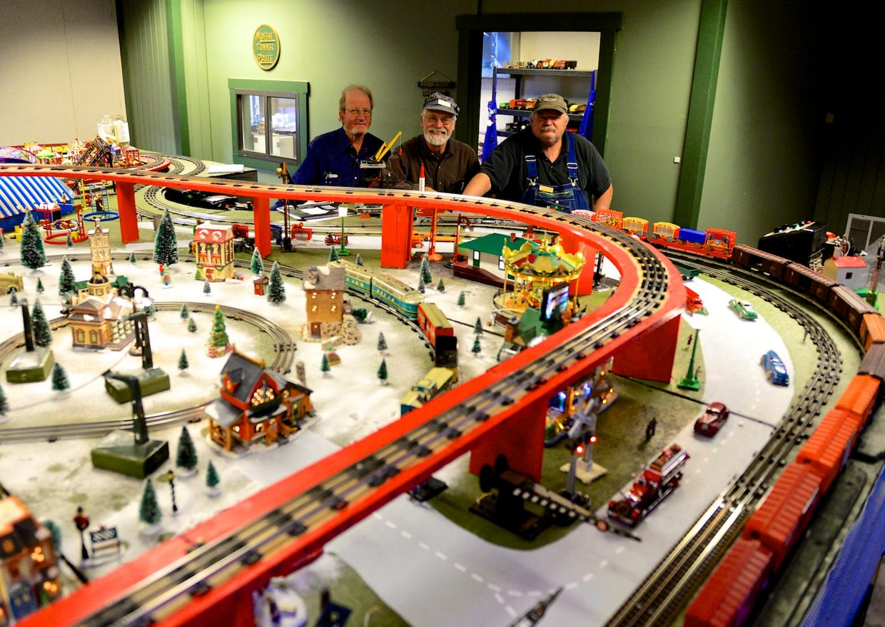 Toy Trains And Christmas : Granby model train display evokes memories of christmases