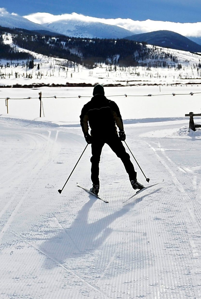 Comparing disciplines: A look at the distinctions between Nordic and alpine skiers