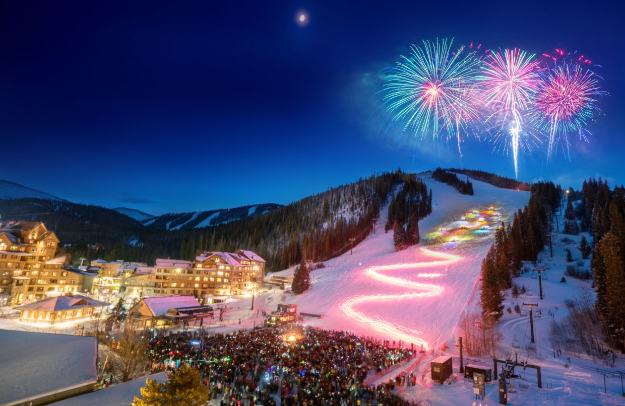 Christmas In Colorado Mountains.Video Winter Park Resort Brings The Holiday Spirit On