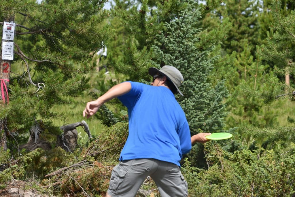 Grand Lake Opens New Disc Golf Course Hopes Players Find It On Par Skyhinews Com
